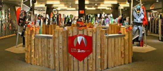 Neige Aventure School & Sport Shop : Le shop OTM