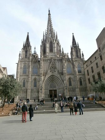 Barcelona Cathedral : Pla de la Seu - the entrance of the cathedral