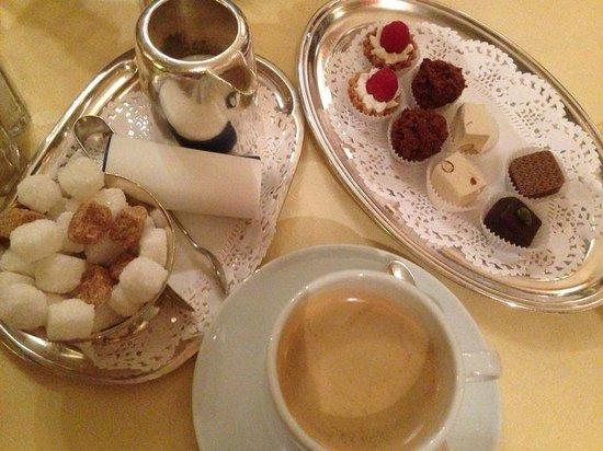 Hampshire Hotel – Voncken Valkenburg: Koffie compleet