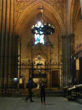 Barcelona Cathedral : one of the sides on the interior