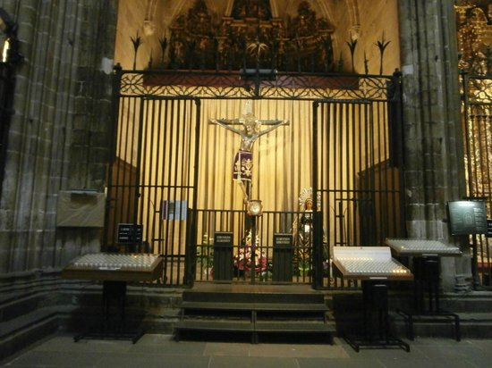 Barcelona Cathedral : inside the cathedral