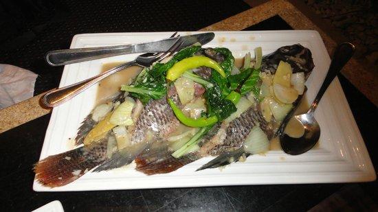 Mesa Filipino Moderne : Fish with soya sauce..
