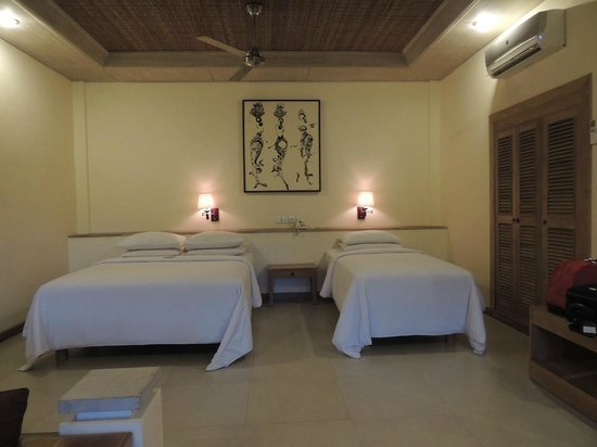 Tegal Sari: Two different size beds