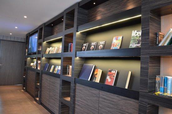 Hotel Golden Tulip Amsterdam West: Books, magazines