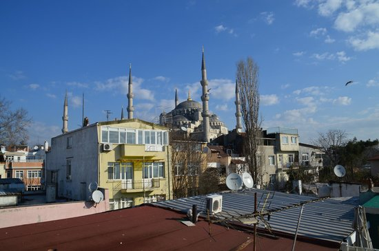 Dersaadet Hotel Istanbul: view from the rooftop terrace of the Blue Mosque