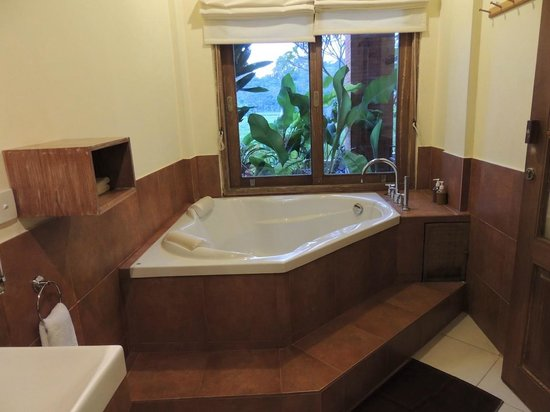 Tegal Sari: Big Bath Tub