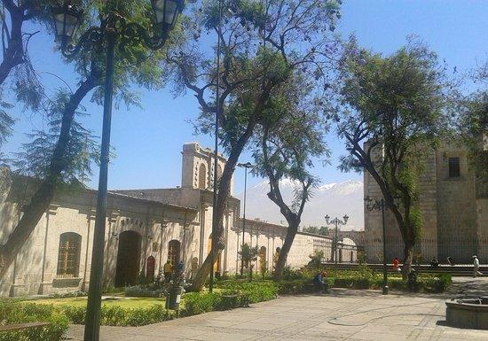 Centro Histórico de Arequipa: Plaza y iglesia San Francisco