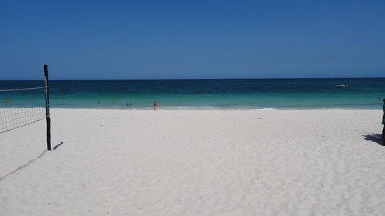 Southern Palms Beach Resort: beach