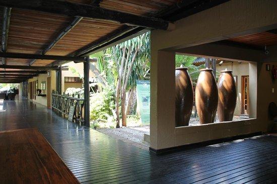 Protea Hotel by Marriott Kruger Gate : Hallway
