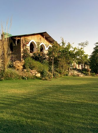 Lohagarh Fort Resort Jaipur : The open dinner area