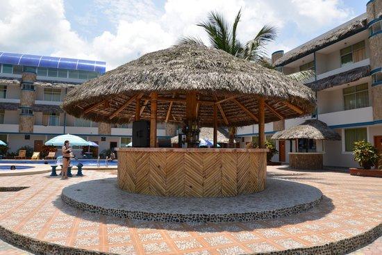Hotel Bernabeth: Bar de la piscina