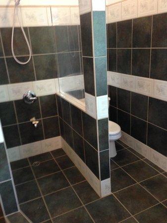 Kama Lounge & Bistro Bar: My Master Bathroom