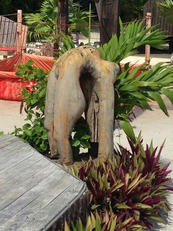 Kama Lounge & Bistro Bar: The great culture around the Kama Grounds are delightfully Belizean