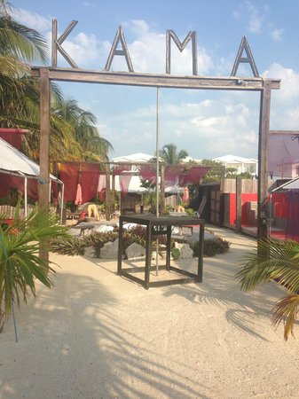 Kama Lounge & Bistro Bar: The lounge in the day