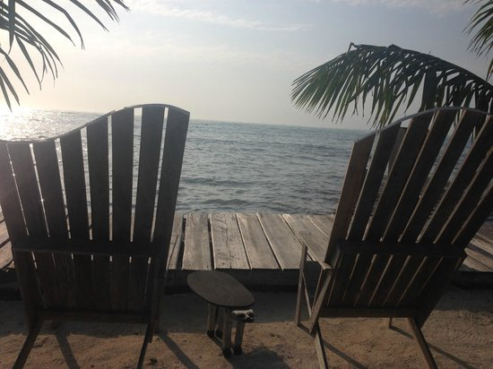 Kama Lounge & Bistro Bar: Yes real view looking outward to the sea and only spot to really use WIFI