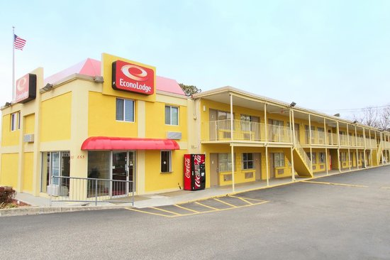Photo of Econo Lodge Near Norfolk State University
