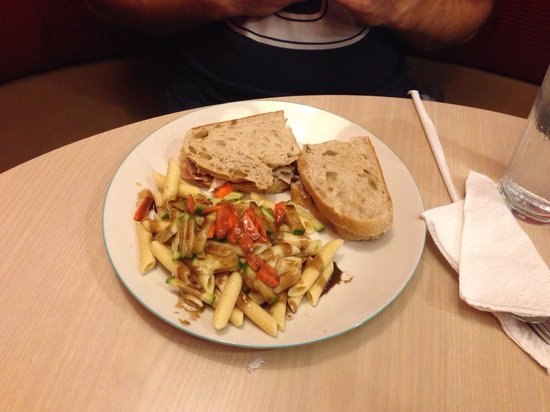 Cool Beans at Cafe d'Art: Sandwich and pasta salad
