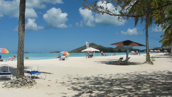 Jolly Beach Resort & Spa : Beach at Jolly..