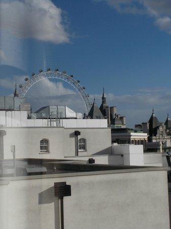 Club Quarters Hotel, Trafalgar Square : Room view