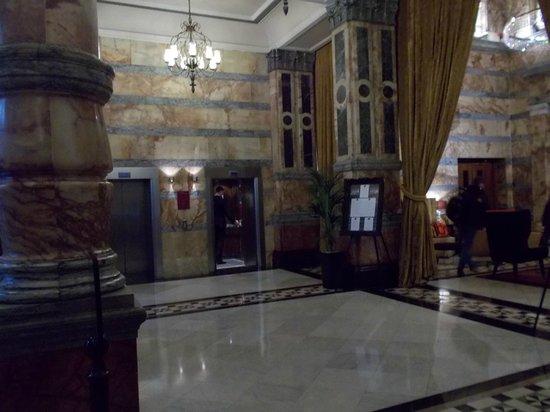 Club Quarters Hotel, Trafalgar Square : Lobby