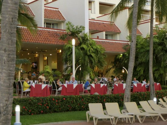 Sheraton Buganvilias Resort & Convention Center: Restaurant at the Resort