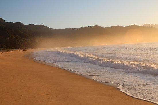 Pousada Brisa do Mar: praia de fora