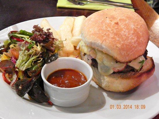 Zio Restaurant: Zio's 'Our Own' Beef Burger