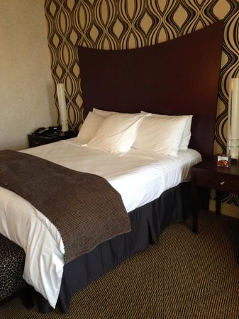 Madison Hotel: Our room - king size bed