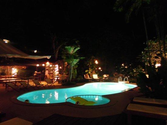 Aonang Tropical Resort: I love you Pool area