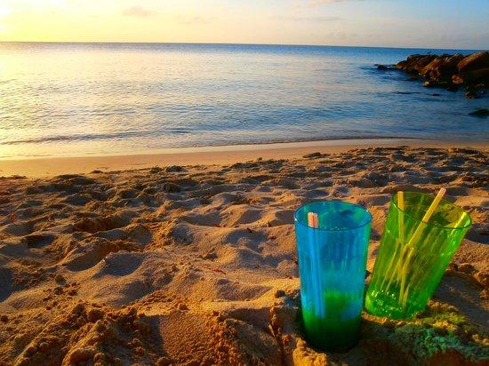 Buccaneer Beach Club : Dickinson Bay sunset