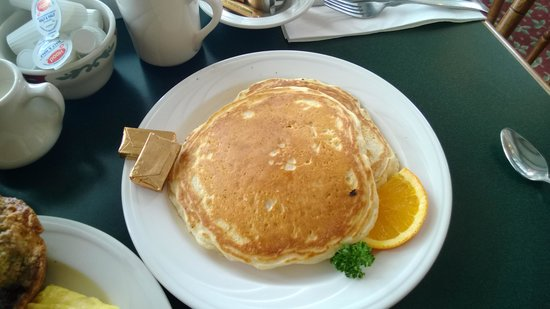 Colonial Cafe at the Golden Eagle Resort: Pancakes