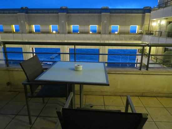 Hyatt Regency Nice Palais de la Mediterranee : Balcony with partial sea view