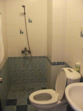 Hong Han Hotel: bathroom
