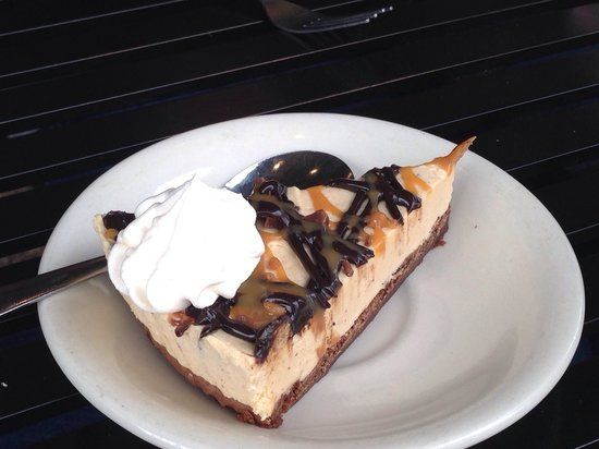 Wintzell's Oyster House: Peanut butter pie