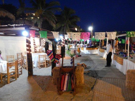 Grand Palladium Vallarta Resort & Spa: Beach BBQ