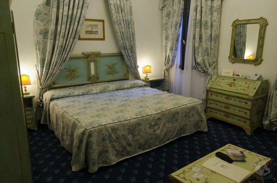 Giorgione Hotel: Very nice room!