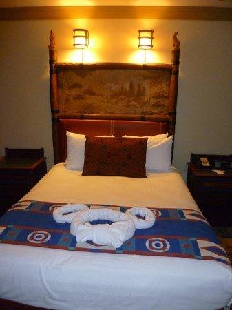 Disney's Wilderness Lodge : Queen bed