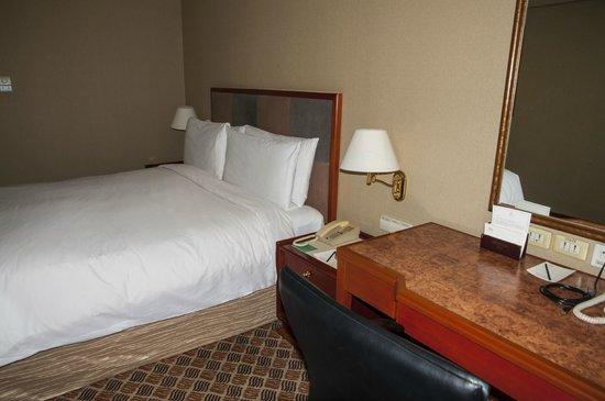 Traders Hotel, Beijing : Room