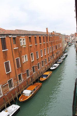 Bed & Venice: View from room