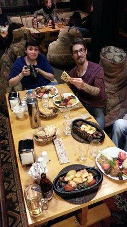 Palatium Cafe & Restaurant : petit repas en famille