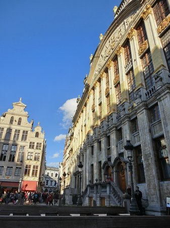 Grand Place/Grote Markt: 夕日があたった時間は更に綺麗でした
