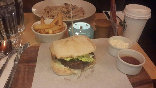 DoubleTree by Hilton - London Hyde Park: Dinner