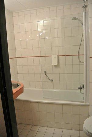 Hampshire Hotel - City Groningen: Ванная