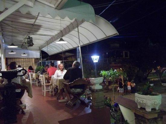 Solar Das Artes Pousada Boutique - Morro: cenando en el Cafe das Artes