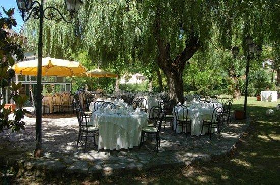 Peppe Parco alle Noci: abbiamo mangiato all'ombra di un salice piangente
