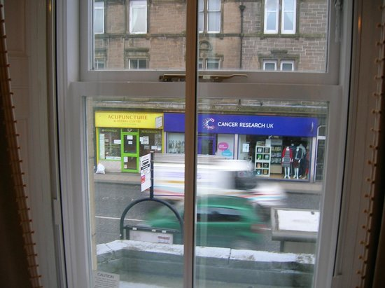 Innkeepers Lodge Edinburgh Corstorphine: View from front of inn, from room