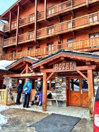 Langley Hotel La Forêt : Front entrance
