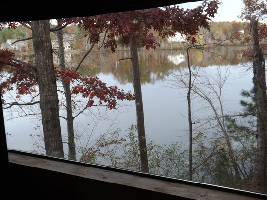 Shenandoah Crossing : View of lake from cabin