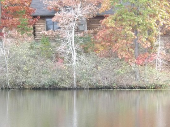 Shenandoah Crossing : Close up of Cabin from across lake
