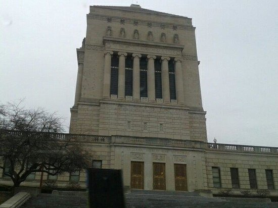 Indiana War Memorial : Outside of the museum
